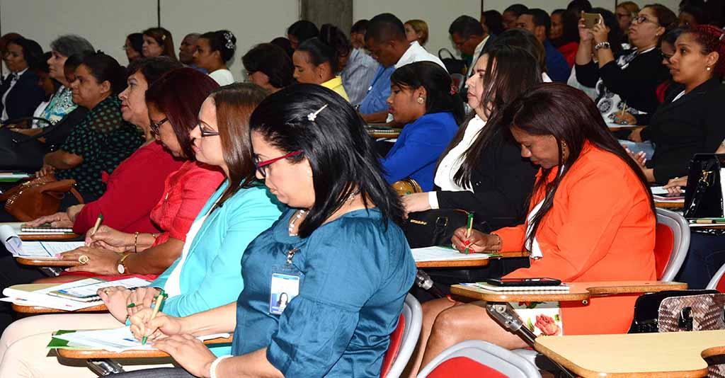 Público asistente al Seminario de cierre efectuado en  Santiago de los caballeros